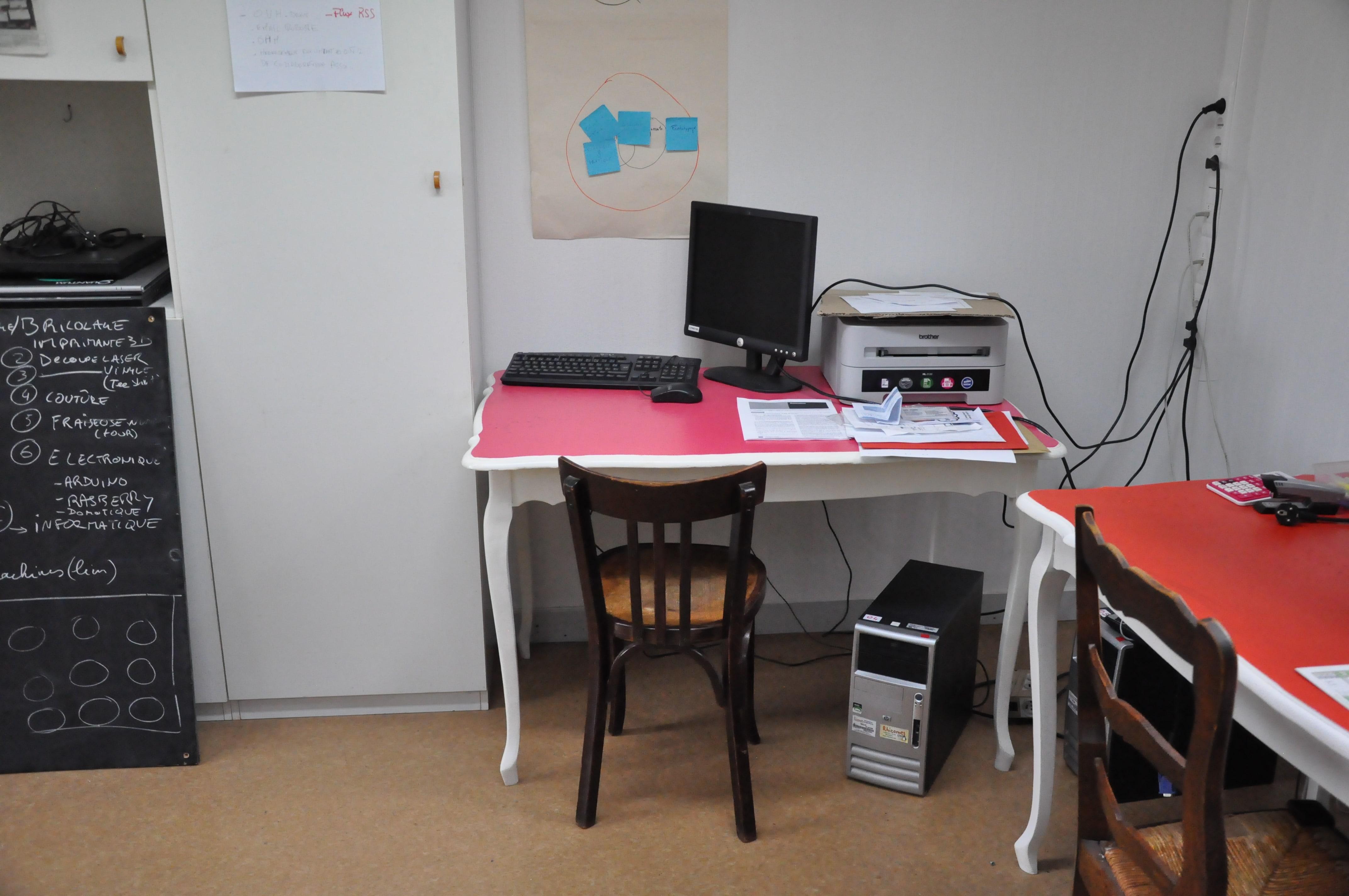 Coworking bureaux partagés bordeaux saint michel tram a et c