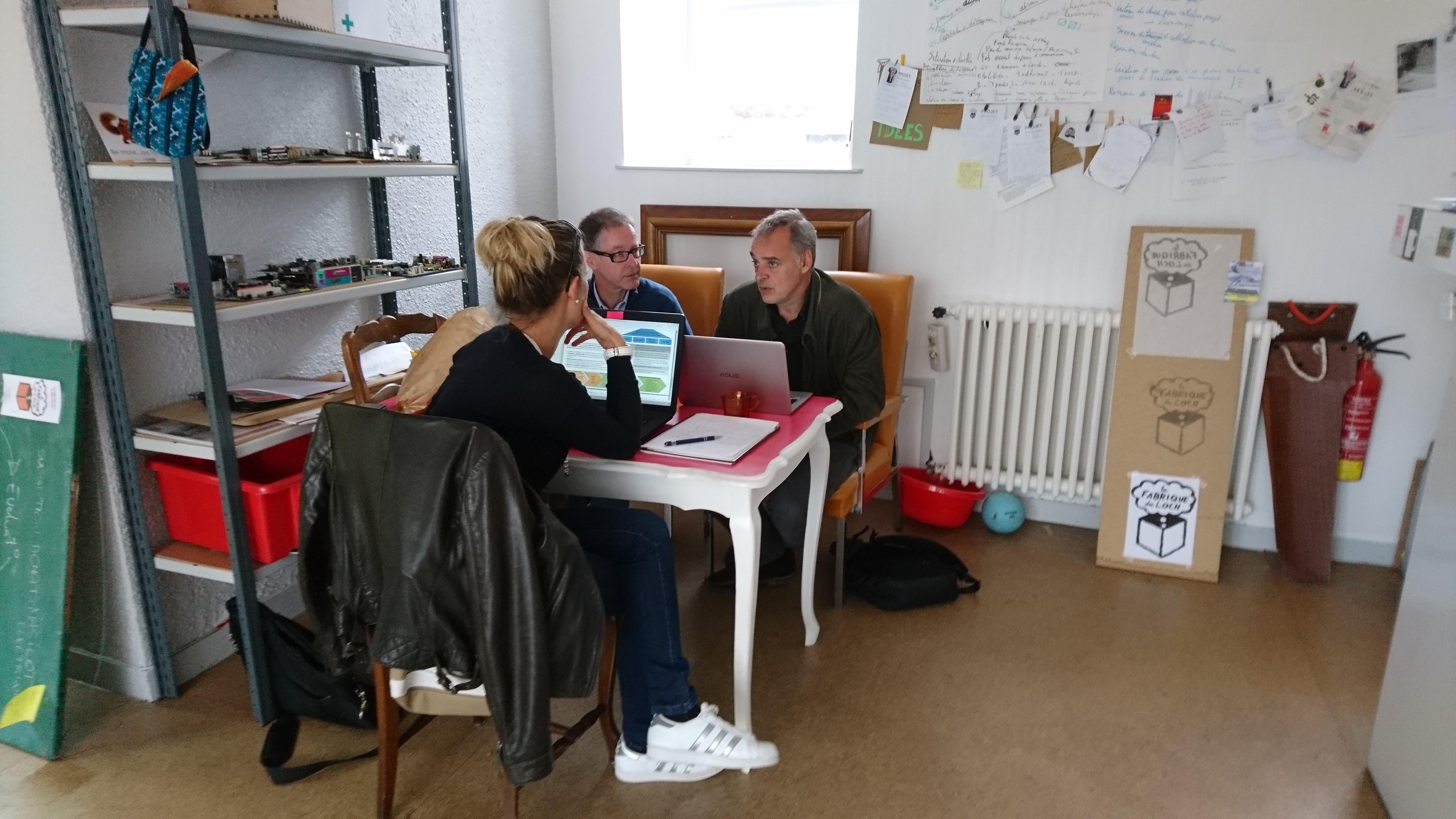 Réunion de travail en Co working la Fabrique du loch Auray